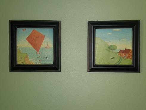 nursey-pics-on-wall.JPG