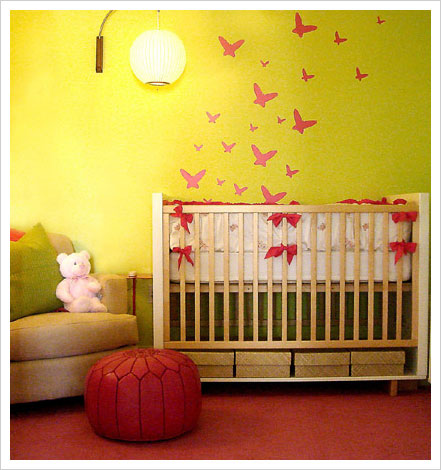 Embroidery Hoop Nursery Decor from Make Baby Stuff.