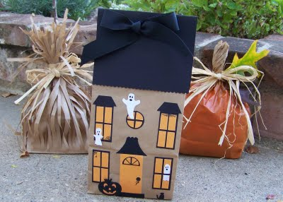 Halloween paper bag haunted house craft preschool for Bag decoration ideas