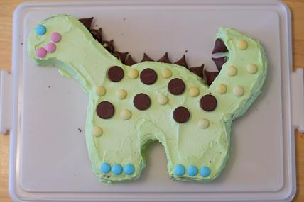 Homemade Dinosaur Cake Pictures - Dinosaur Birthday Cake Design ...