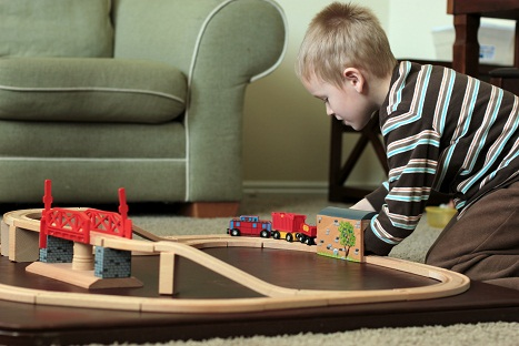 melissa and doug swivel train set