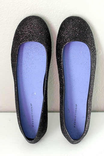 15 minutes later GLITTER SHOES! Now how to make my hair be fancy