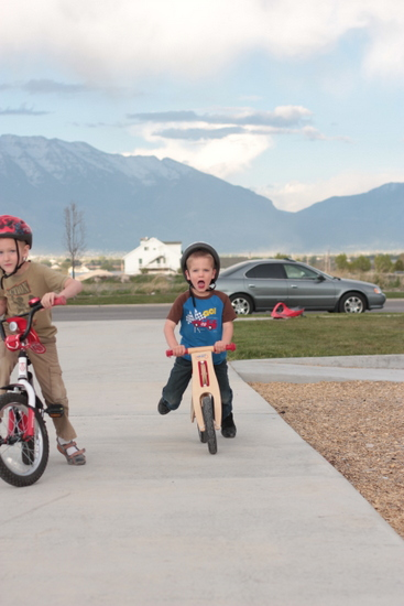 kids learn to ride bike