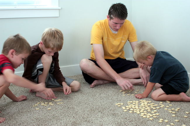 bananagrams family word game