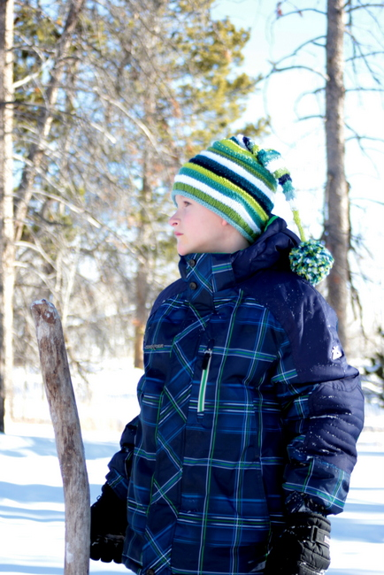 striped knitted snow winter hat pattern